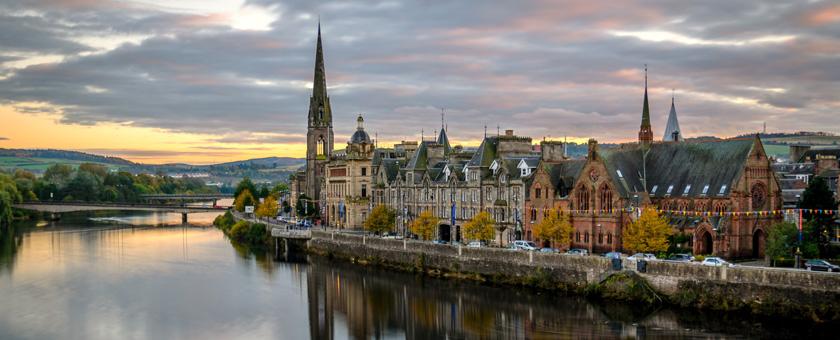 Atractii Perth Anglia & Scotia - vezi vacantele