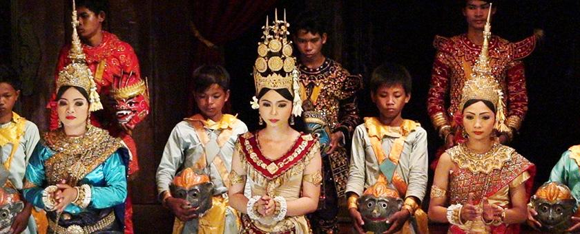 Siem Reap: dans Apsara la Angkor Village, Cambodgia Poza realizata de Sorin Stoica, mai 2013
