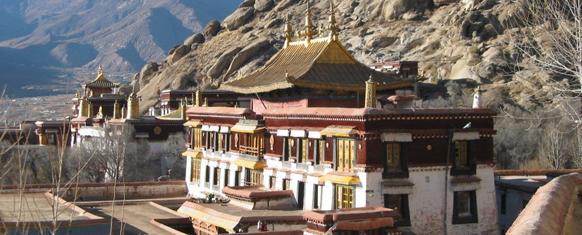 Atractii Manastirea Sera China - vezi vacantele