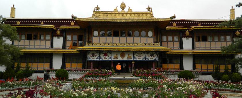 Atractii Norbulingka China - vezi vacantele