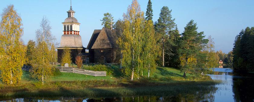 Atractii Biserica de lemn Petajavesi Finlanda - vezi vacantele