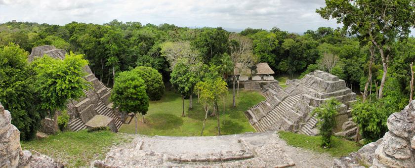 Atractii Situl Yaxha Guatemala - vezi vacantele