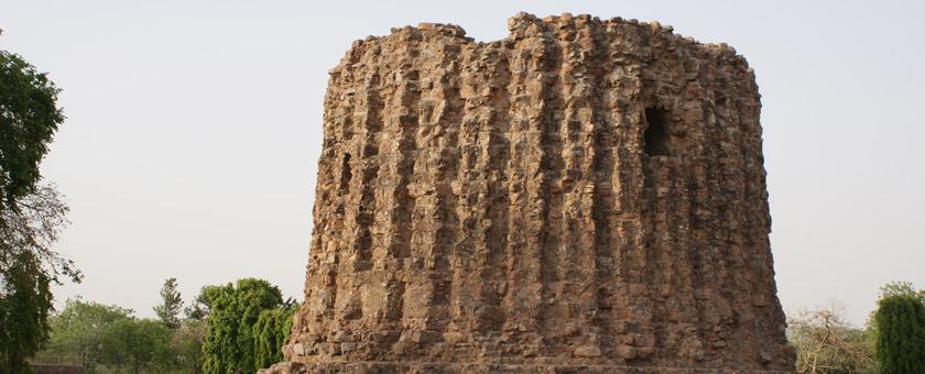 Atractii Qutub Minar India - vezi vacantele