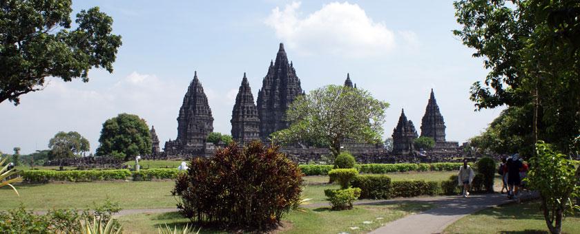 Templul Prambanan, Indonezia Poza realizata de Daniela Shah, Mai 2013