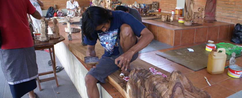 Atractii Artisti, Arta & Mestesuguri Indonezia - vezi vacantele