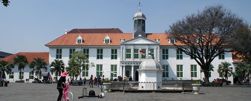 Atractii Jakarta Indonezia - vezi vacantele