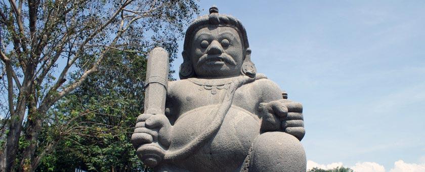 Atractii Templul Prambanan Indonezia - vezi vacantele