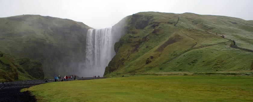 Atractii Cascada Skógafoss Islanda - vezi vacantele