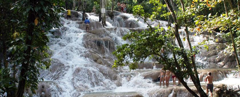 Atractii Dunn`s River Falls Jamaica - vezi vacantele