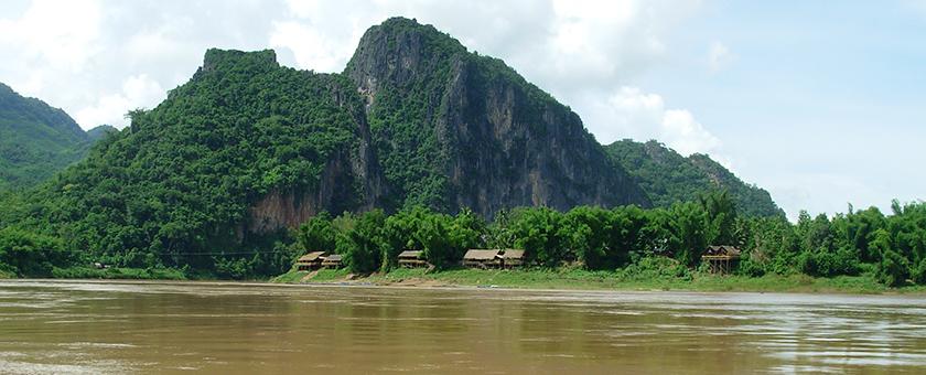 Atractii Fluviul Mekong Laos - vezi vacantele