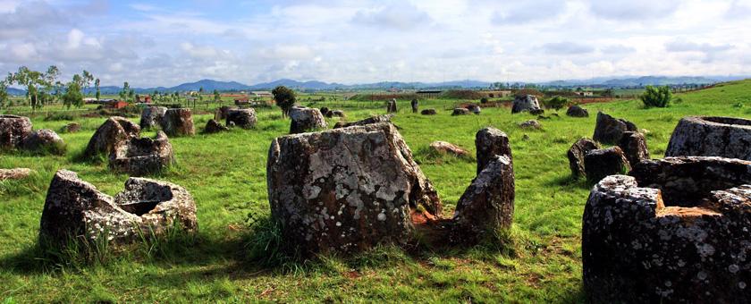 Situl vaselor megalitice Laos