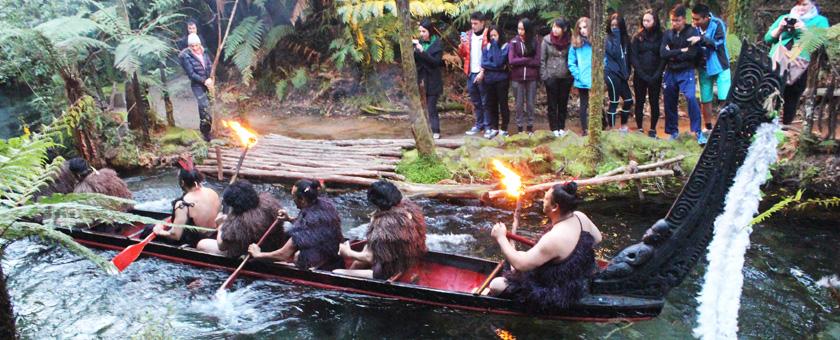 Show Maori @ Rotorua, Noua Zeelanda Poza realizata de Alexandra Parvu, octombrie 2015