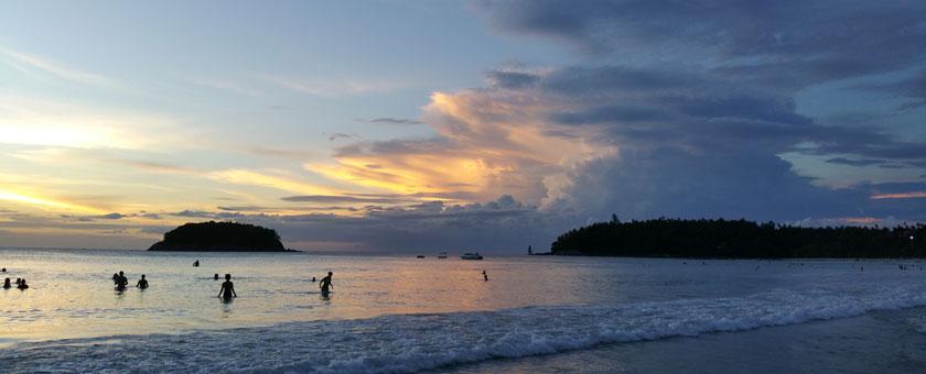 Apus in Phuket, Thailanda Poza realizata de Cristina Gradinariu, noiembrie 2015