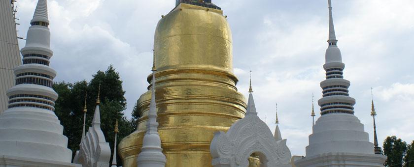 Wat Suan Dok Thailanda